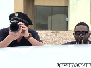 Brazzers - polic fucks bridgette b i vështirë