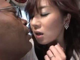 Japansk video 651 kone og svart kuk 3p