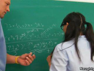 Asa akira van banged által tanár mert csókolózás övé humps
