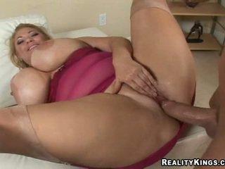 Busty và sexy samantha 38g gett.