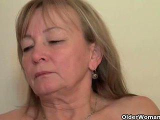 Мама seduces тя играчка момче с тя сладъл matured путка