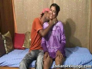 Raj yakın tarafından roopa