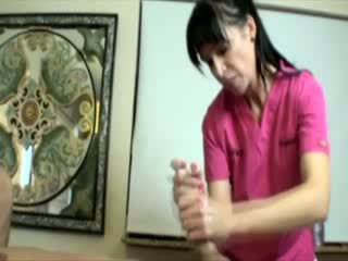 Geil milf babe tugging lul gedurende massage