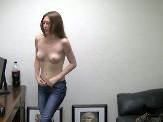 Alicia takes ju nohavičky preč. ona needs peniaze