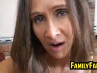 Milf jerks haar zoon in wet af