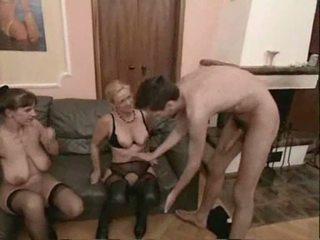 Başlangyç ýaşy ýeten swingers 3 adam sikiş video