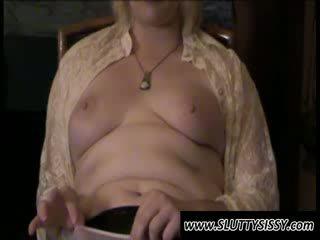 بلوندي crossdresser alice عرض الثدي