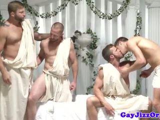 Geý group topar sikiş dudes taşşak oýnamak off at same time