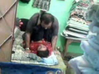 Ώριμος/η καυλωμένος/η πακιστανικό ζευγάρι enjoying σύντομο muslim σεξ session