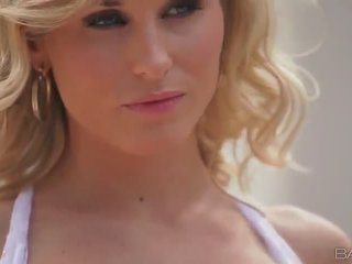 Blonde babe Laura Crystal masturbates