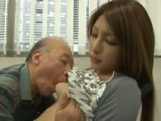 الصينية youngster has لها diminutive labia got laid بواسطة an ناضج صبي