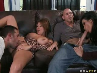Sexy PaRAmour KiAnna Dior Gives Her Paramour A Horny Cock Gobbling Action