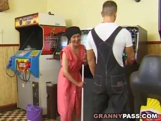 bunicuță, grannies, matures