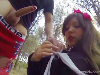 Baby-faced brunette gives omhoog haar onschuld: gratis hd porno 93