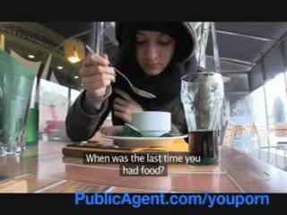 Publicagent homeless punca gets zajebal da plačati za hotel