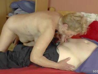 75yr vecs vācieši vecmāmiņa uschi kārdināšana jauns men līdz jāšanās