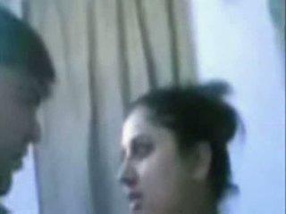 هندي ناضج زوجان سخيف جدا شاق في حمام