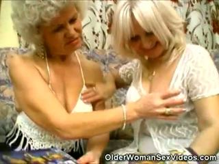 Äldre blondin grannyen knull