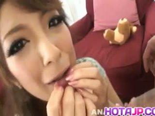 Aiko nagai z duży assets sucks boner do gets sperma w