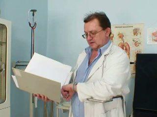 Nejaukas vectēvs ārsts par vecmāmiņa lindas vecs vāvere