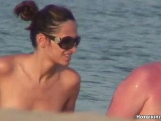 Praia voyeur nua females spycam hd vídeo