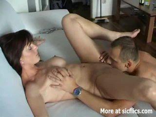 Karstās brunete fisted līdz a mežonīga orgasms