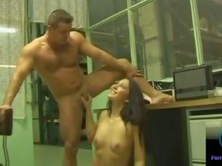 Smiling Cutie Gigi Performs Teasing Handjob: Free Porn 33