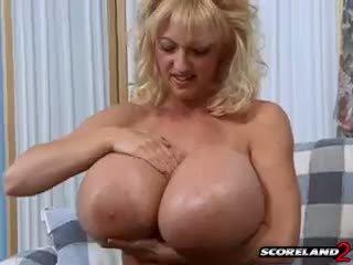 rotaļlietas, big boobs, nobriedis