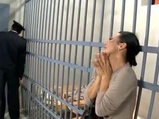 Video 594 prisoner nevasta la dracu