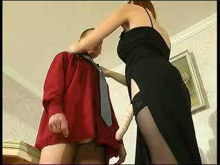 Červenovlasé ruské strapon dáma