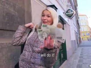 Czech girl Karol pounded for some cash