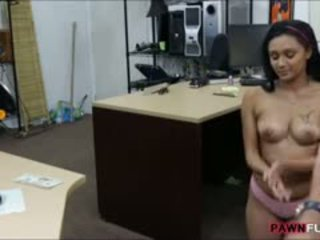 Amateur Girl Posed Naked And Fucked Hard With The Pawn Man
