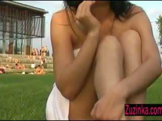 Masturbation en seks chat bij de zwembad