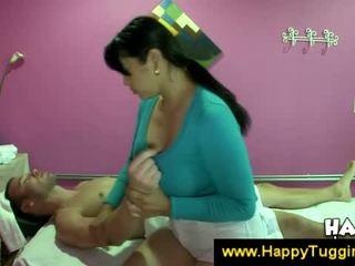 مفلس الآسيوية masseuse offers ل وظيفة اليد