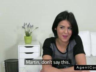 Krásne srbské bruneta gangbanged na kásting