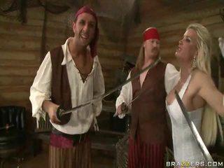 一 kings wife down onto the pirates 巨人 肉 sword