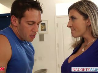 Busty mom Sara Jay gets facialized