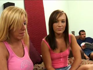 Jaclyn trường hợp loves lesbo cảnh