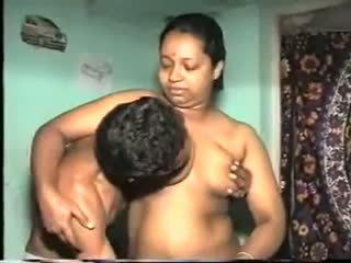 Desi aunty jāšanās: bezmaksas indieši porno video 7b