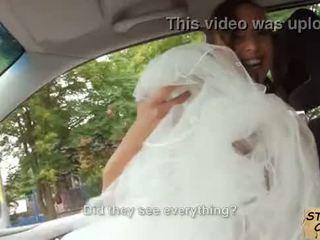 bruid, buitenshuis, kindje
