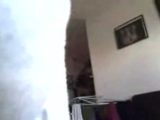 03-cfnm smaukymasis su afrikietiškas namas cleaner