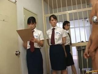 日本语 av 模型 在 一 piss 视频