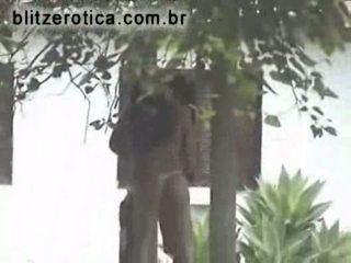 Spycam pijpen en neuken in de backyard