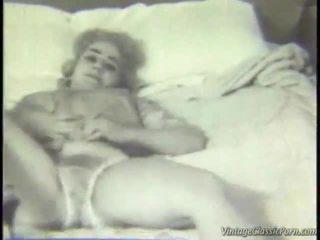 Retro ýatylýan otag striptease
