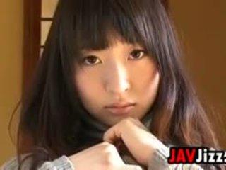 Japānieši meitene teasing viņai ķermenis softcore