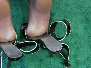 아내 신발 작업 비디오