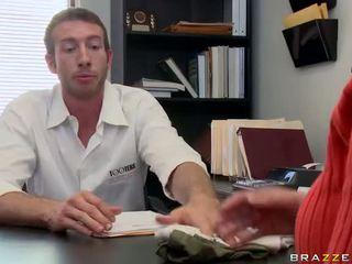 Blondīne krissy lynn dziļi fucked pie darbs intervija video
