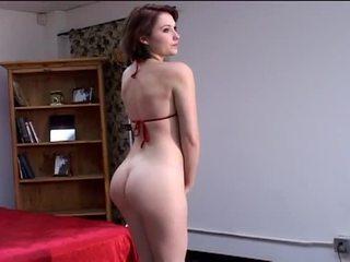 Geil groot tieten blondine en brunette modellen striptease in heet photo schieten