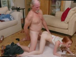 Стар мъж и много космати тийн и хуй в на възбуден стар мама и немски стар