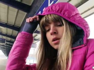 Aranyos cseh lány gina gerson szex mert készpénz